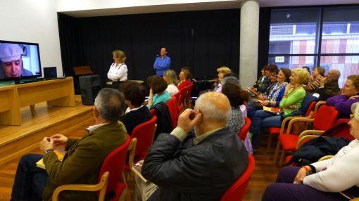 Miembros del club de lectura de la BPM Francisco Ayala (Granada)